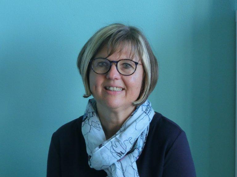 Frau Cornelia Wirth, Textilarbeit/Werken
